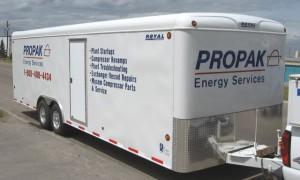 custom-trailer-lettering